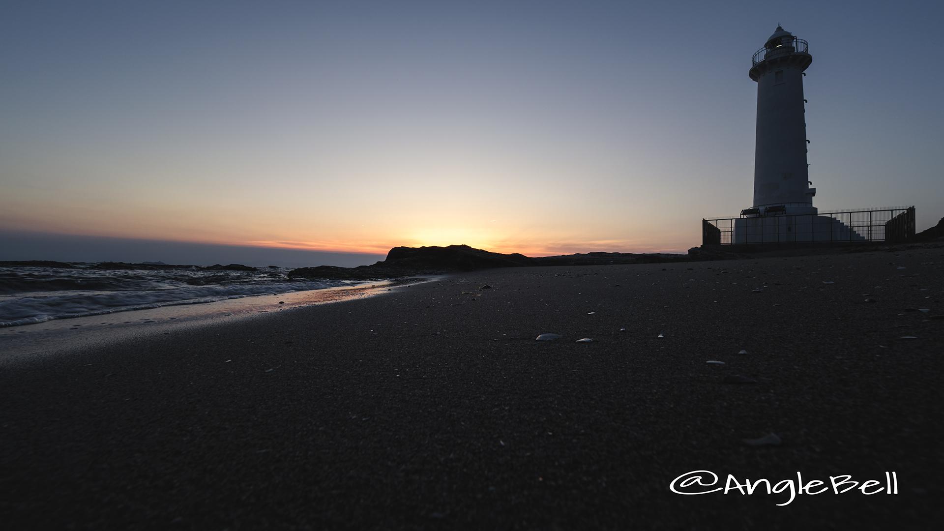 砂浜と夕景 野間灯台