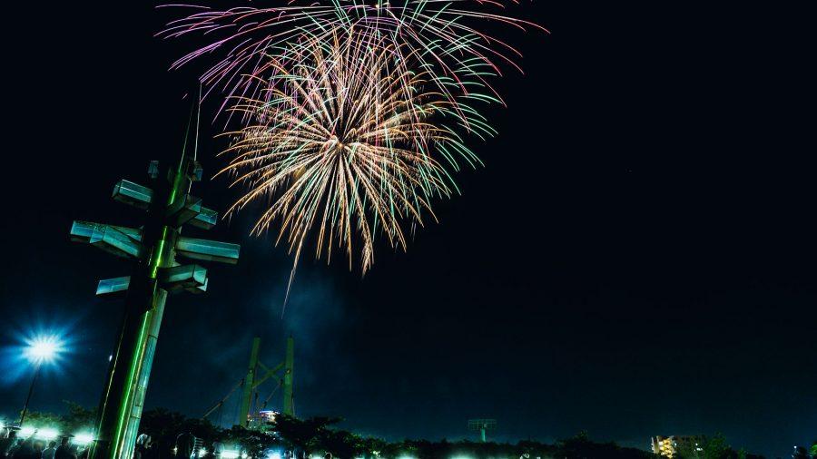 橋詰広場から見る熱田まつり花火