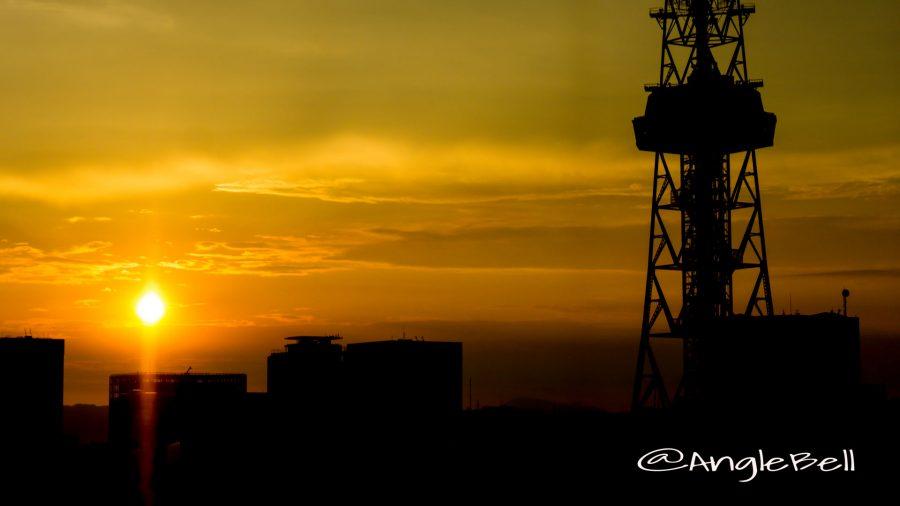 日の暮れるころ 名古屋テレビ塔 シルエット