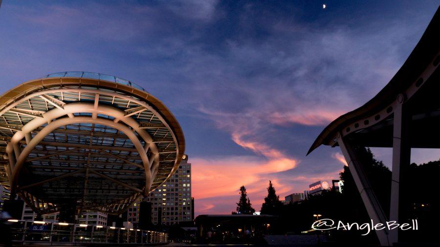 オアシス21 月と夕景