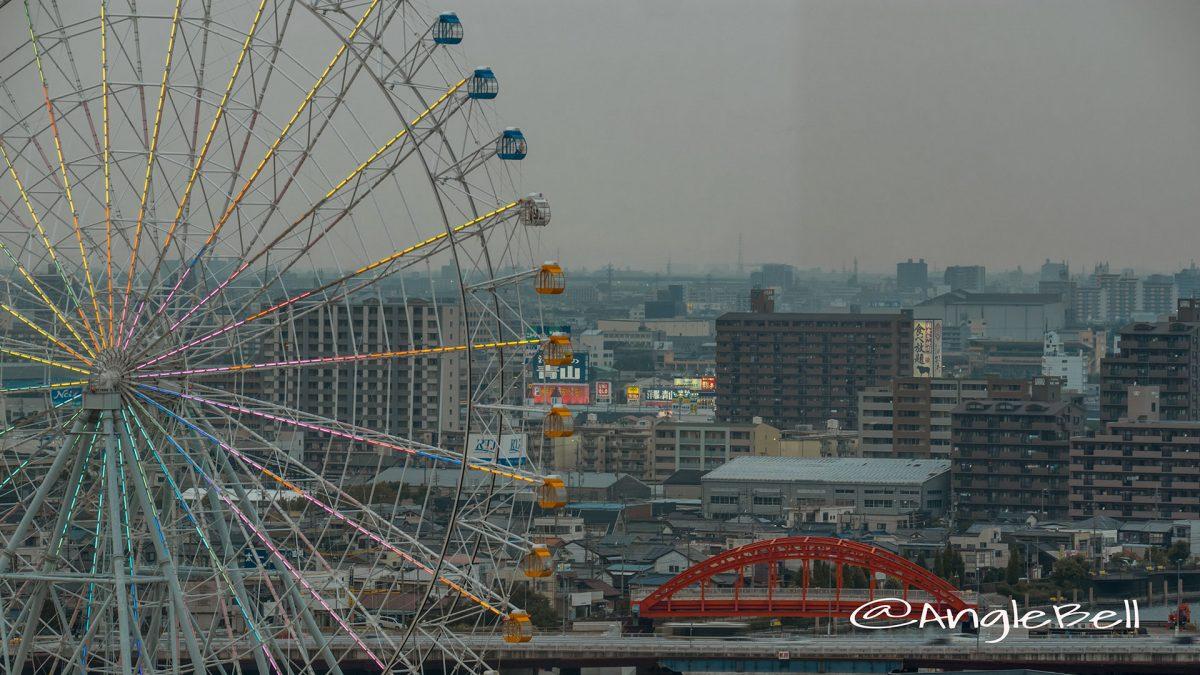 名古屋港ポートビルから見る中川橋と観覧車
