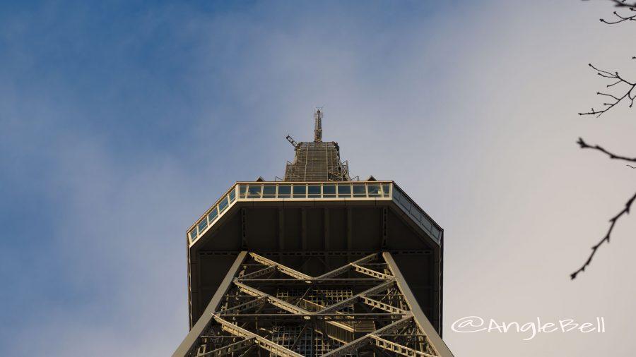 下から見上げる名古屋テレビ塔