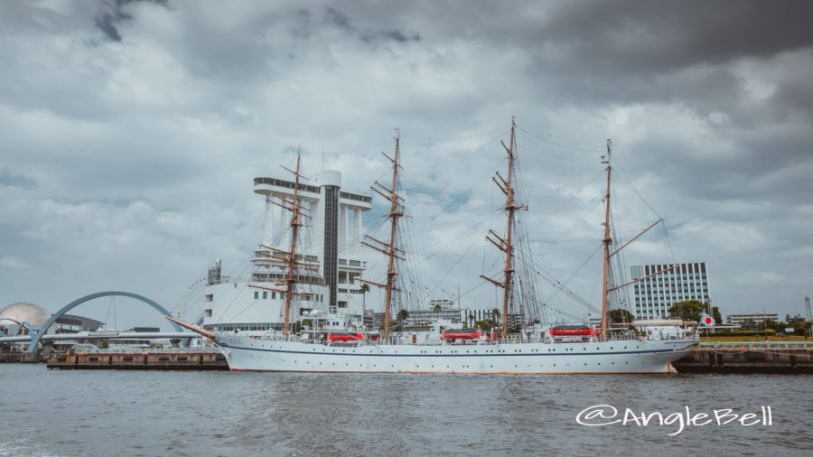 名古屋港ポートビルと帆船「日本丸」