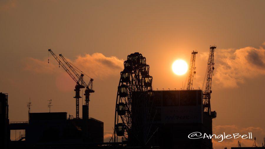名古屋市中区栄 観覧車 「Sky-Boat」と夕日