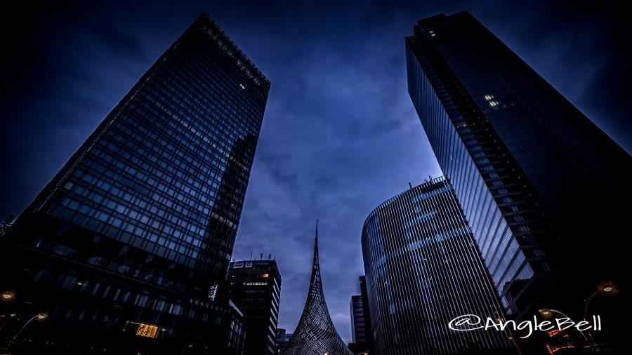 名古屋駅桜通口 飛翔とビル群 HDR