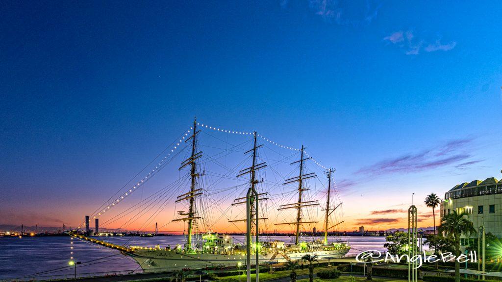 夕景 名古屋港と練習帆船 海王丸 Autumn 2019
