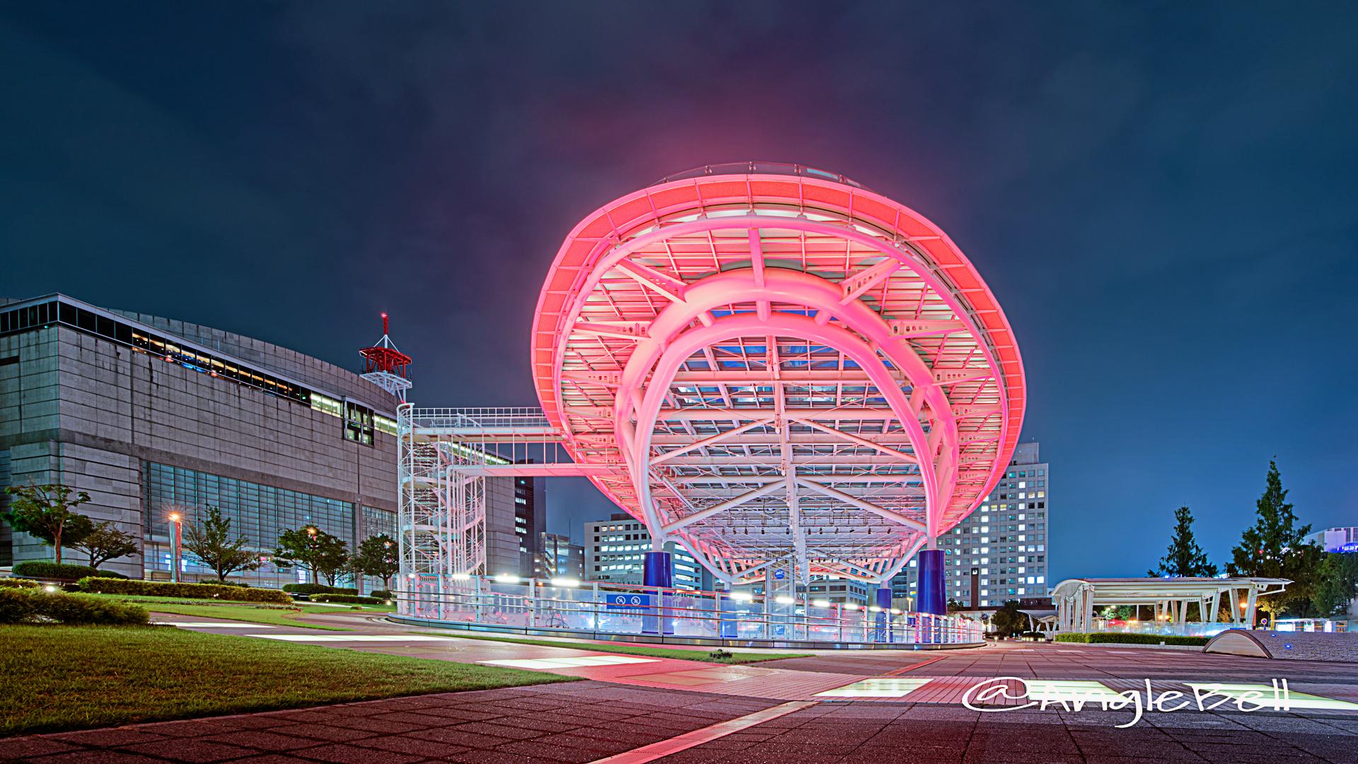 オアシス21 (レッドライトアップ)と愛知県芸術劇場 August 2020