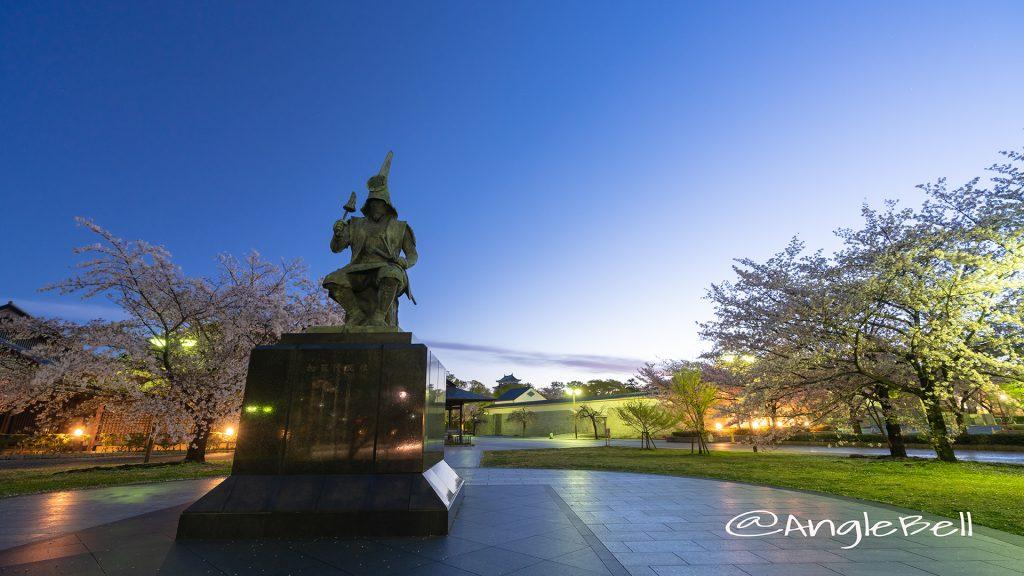 夜明け 加藤清正像 桜風景 April 2019