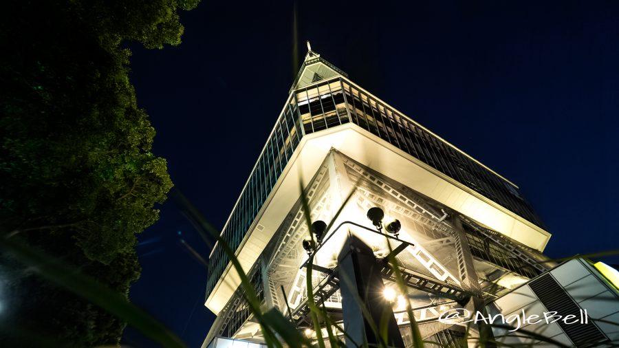 北側の下から見上げる名古屋テレビ塔